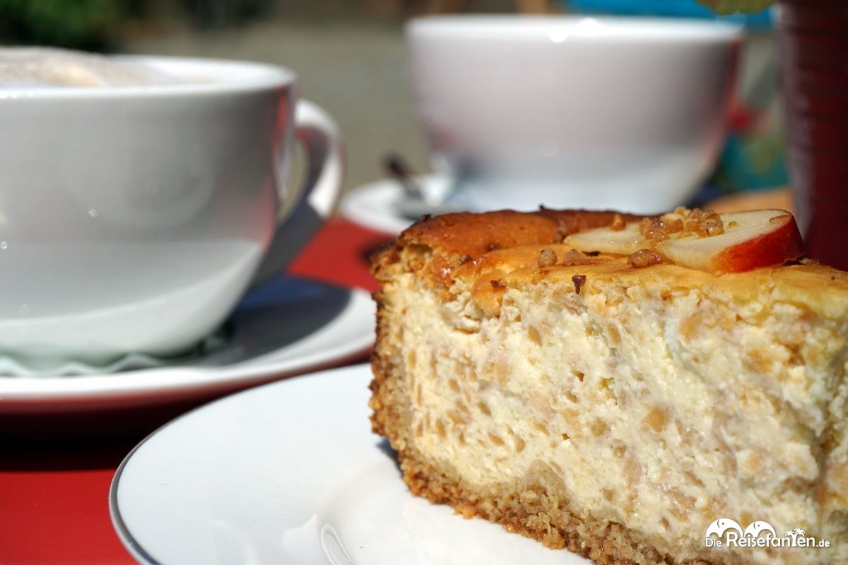 Leckeren Kaffee und Kuchen gibt es im Gut Hörne