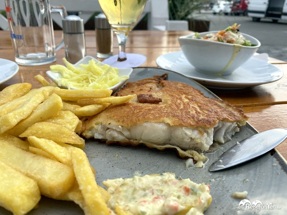 Leckeres Essen in der kleinen Fischkiste in Cuxhaven