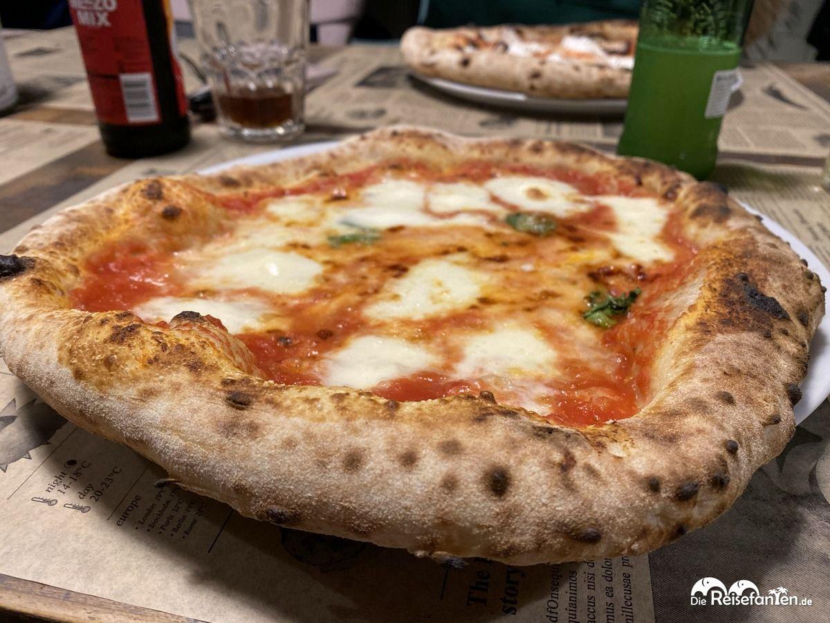 Pizza Margherita bei Zio Manu di Napoli in Bremen