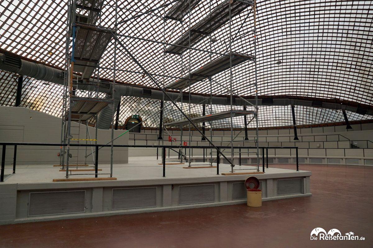 Gerüste in der Multihalle im Mannheimer Herzogenriedpark