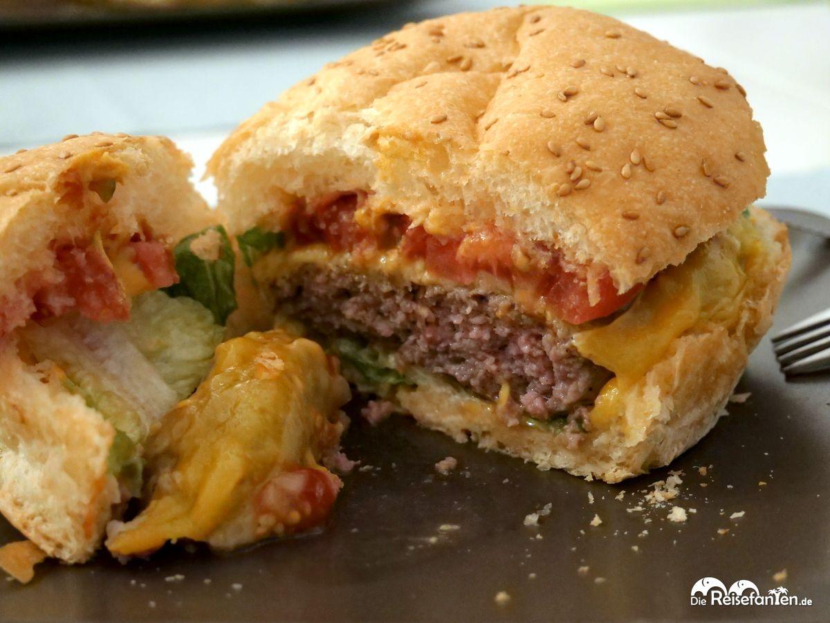 Aufgeschnitten sieht der Burger mit Fleisch von MyLocalMeat auch sehr gut aus