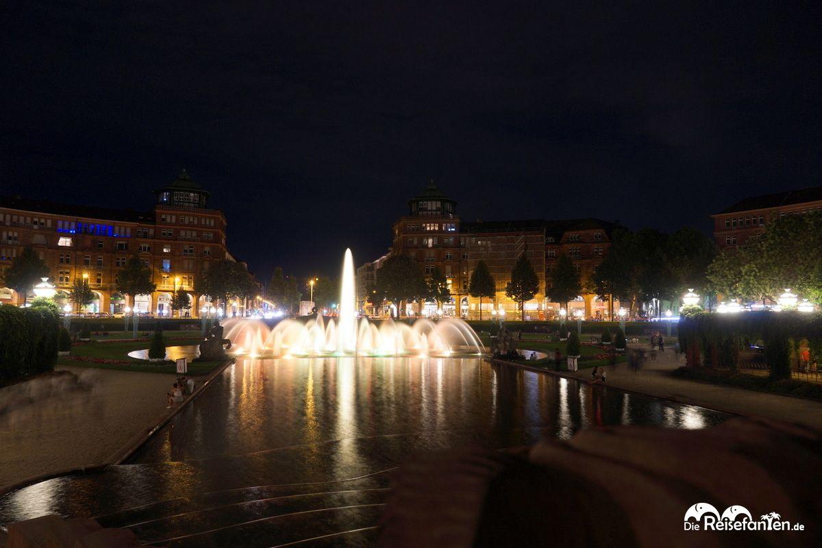 Der Mannheimer Wasserturm bei Nacht 2