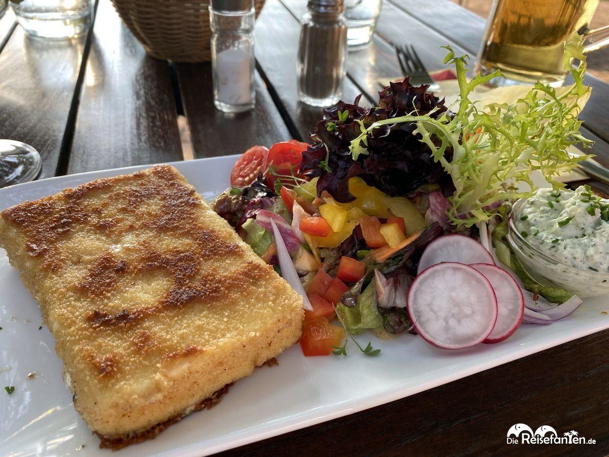 Essen in der Hammehütte Neu Helgoland
