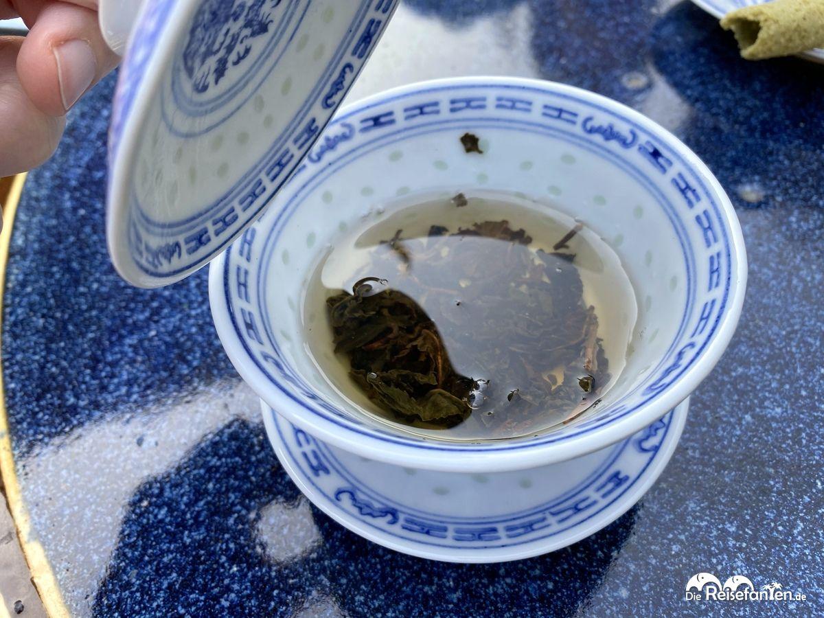 Traditioneller Tee im Chinesischen Teehaus im Luisenpark Mannheim