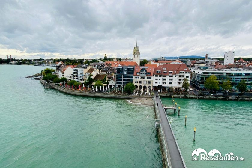 Blick auf Friedrichshafen Moleturm in Friedrichshafen