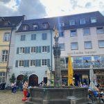 Brunnen am Münsterplatz in Freiburg