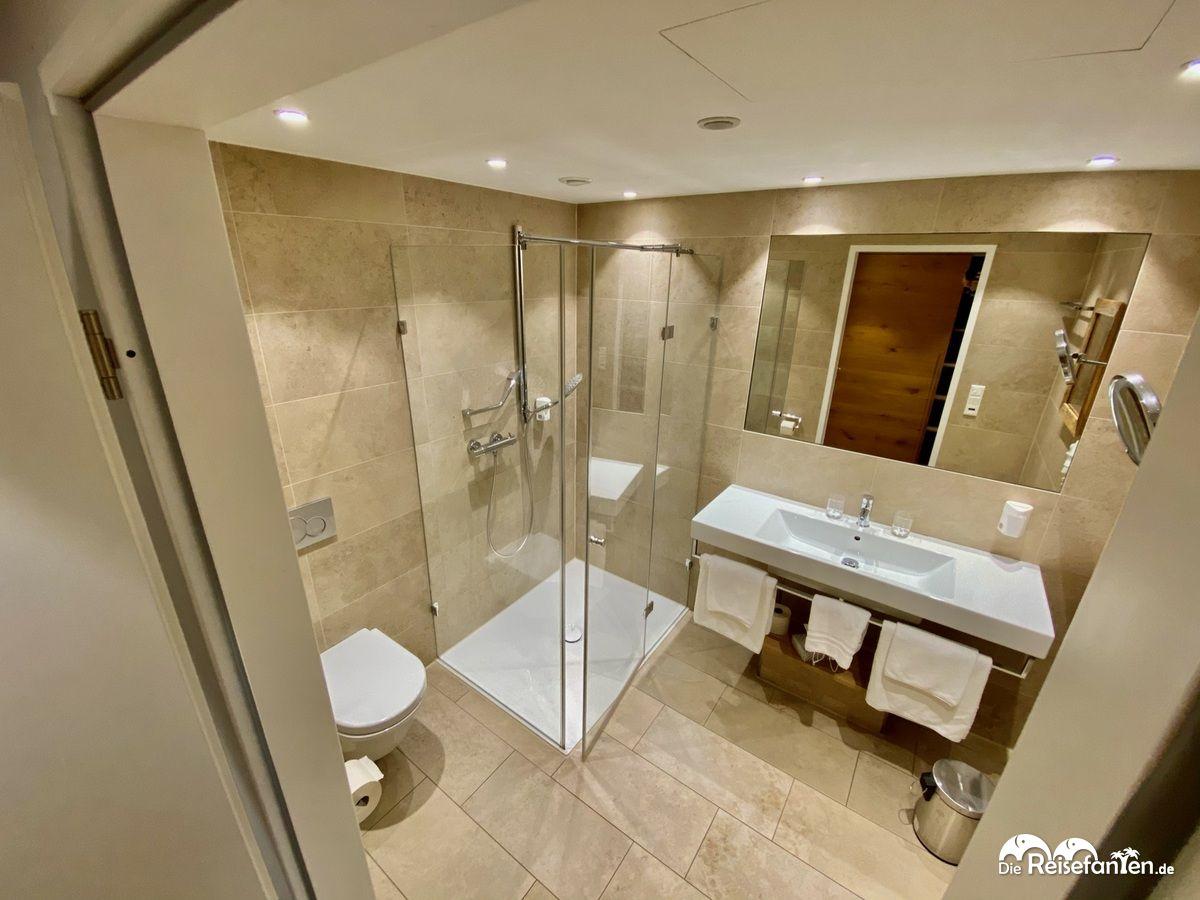 Das Badezimmer im Hotel zur Post in Rohrdorf