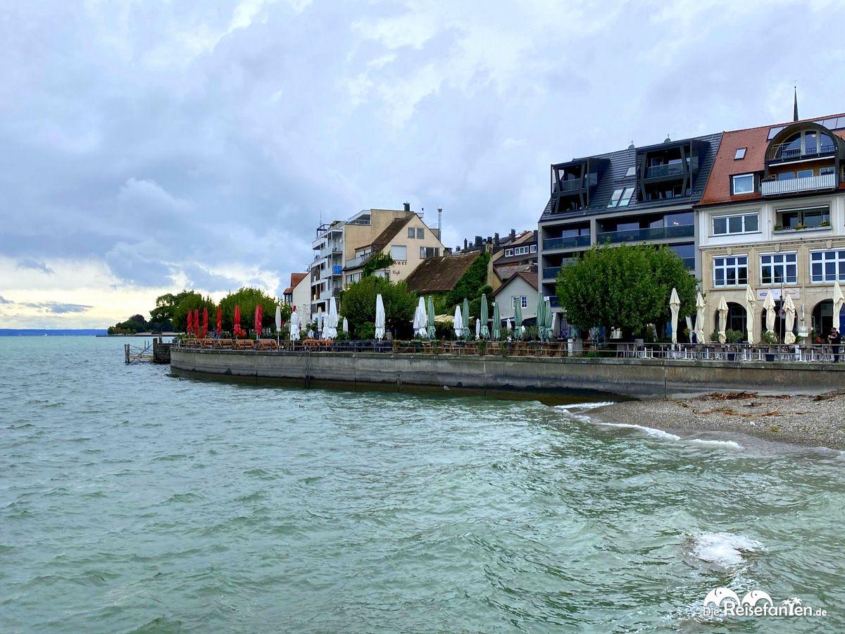 Die Uferpromenade von Friedrichshafen