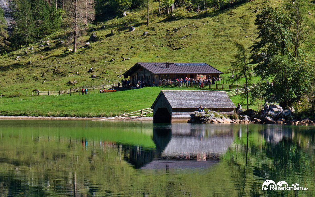 Bootshaus und Fischunkelalm am Obersee