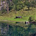 Die Fischunkelalm am Obersee sieht von hier aus gesehen noch wenig besucht aus