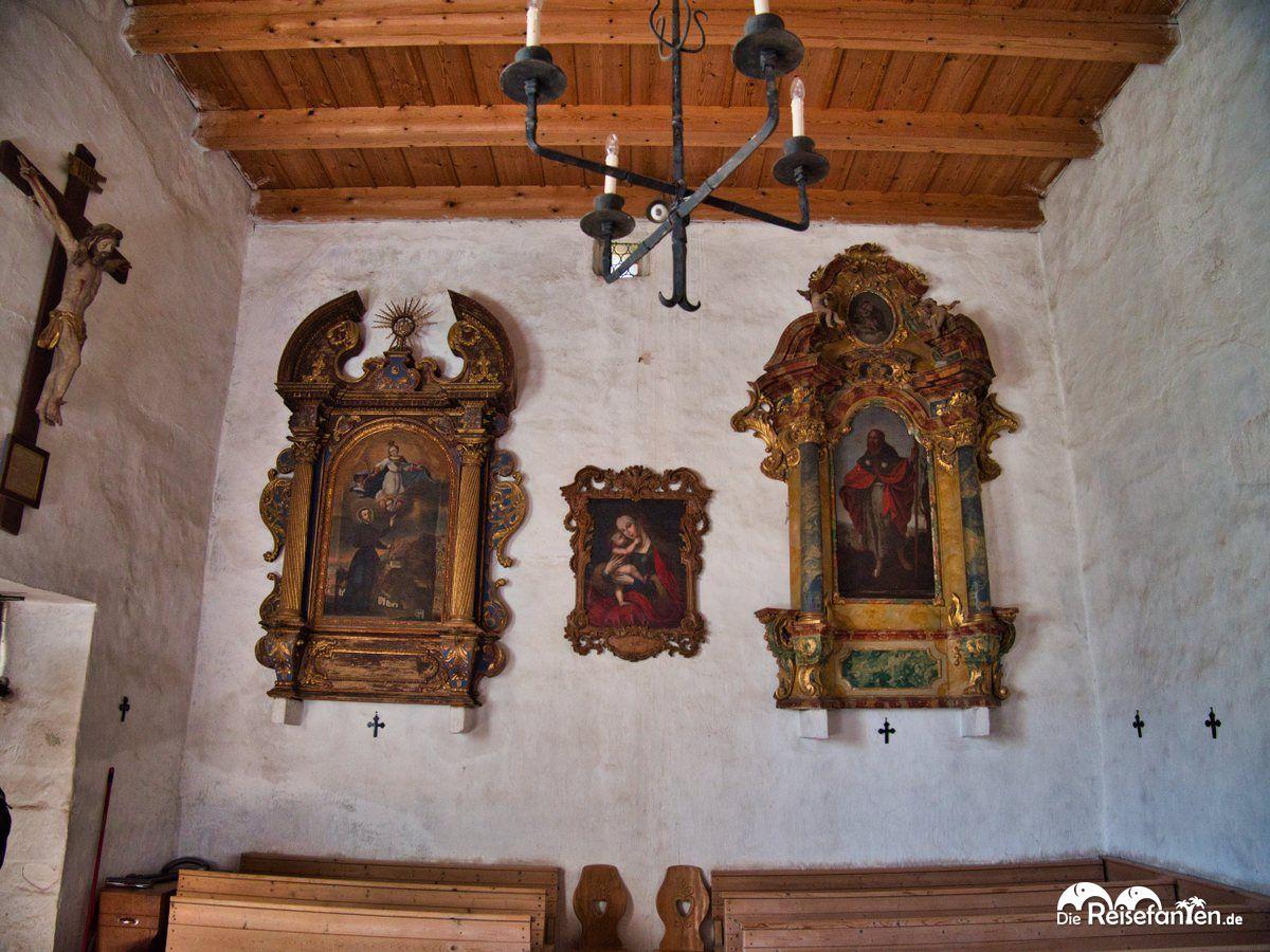 Im Inneren der Kirche St Jakob In Grissiano
