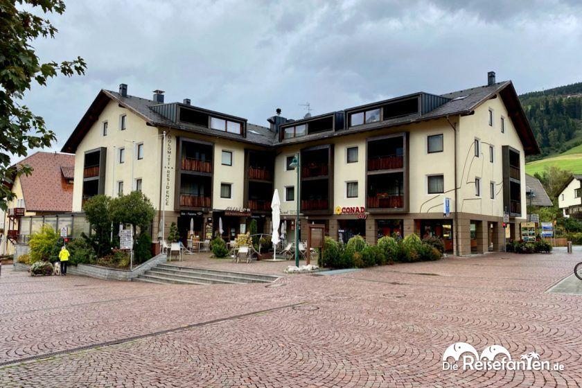 Außenansicht der Ariston Dolomiti Residence in Toblach in Südtirol