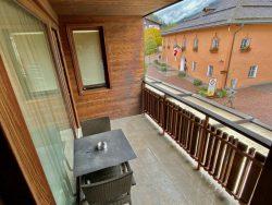 Balkon in der Ariston Dolomiti Residence in Toblach in Südtirol