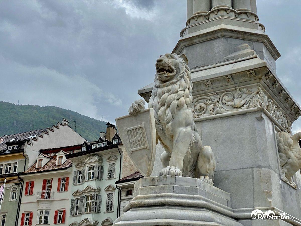 Brunnen am Waltherplatz in Bozen