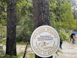 Der Prager Wildsee in Südtirol befindet sich in Privatbesitz