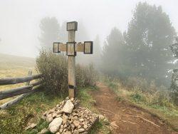 Kreuz auf der Seiser Alm in Südtirol