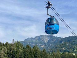 Liftfahrt hinauf zur Seiser Alm in Südtirol