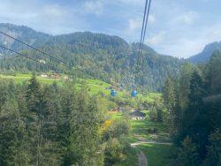 Liftfahrt mit der Seiser Bahn in Südtirol
