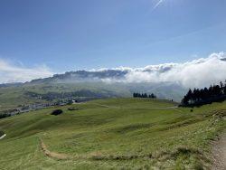 Weiter Blick auf der Seiser Alm in Südtirol