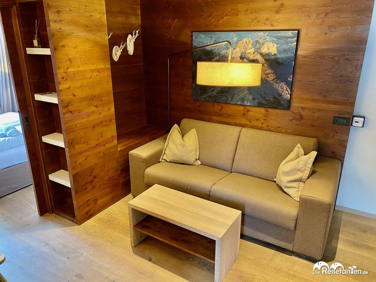 Wohnbereich in der Ariston Dolomiti Residence in Toblach in Südtirol