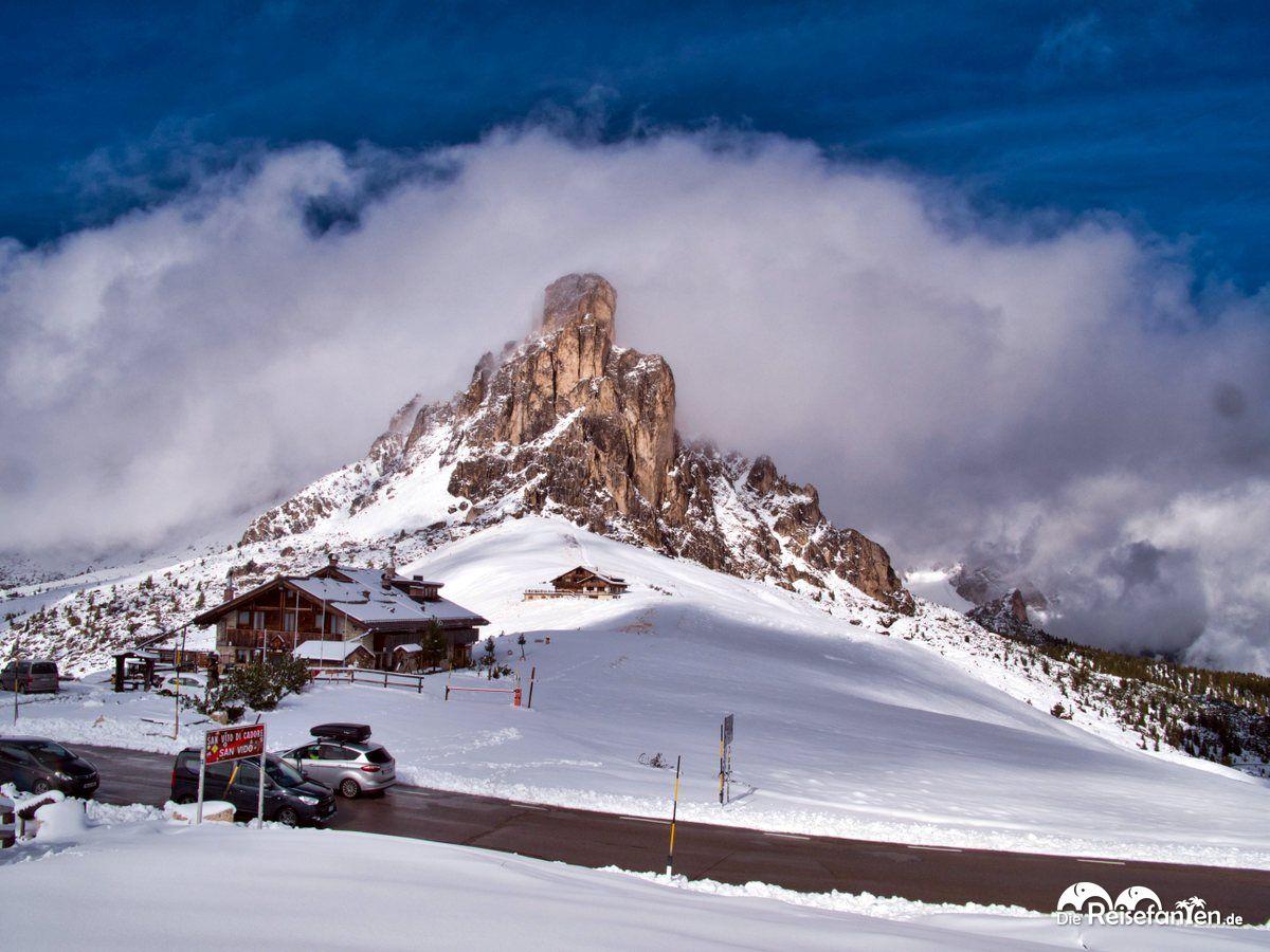 Der Monte Ragusela lugte ab und zu durch den Wolken durch