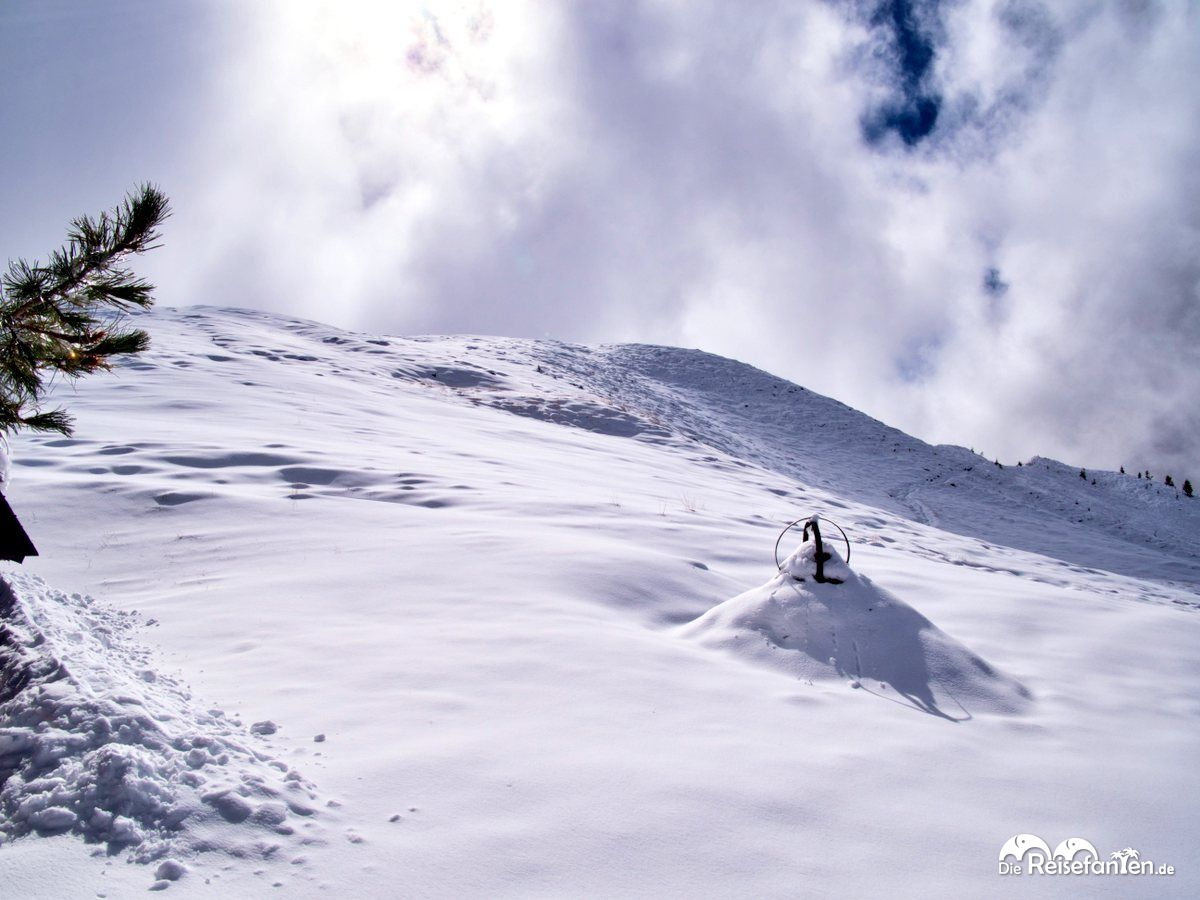 Die Natur am Passo Giau ist schroff, karg und in unserem Falle sehr kalt
