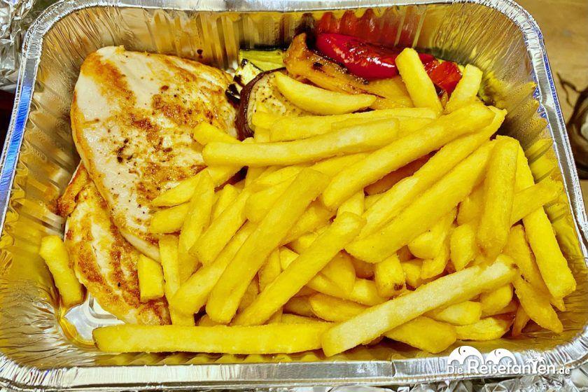 Hähnchenbrust mit Grillgemüse aus dem Ariston Restaurant in Toblach