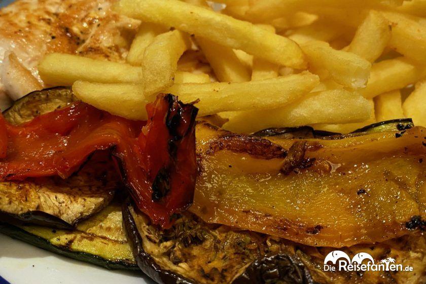 Leckere Hähnchenbrust vom Grill aus dem Ariston Restaurant in Toblach