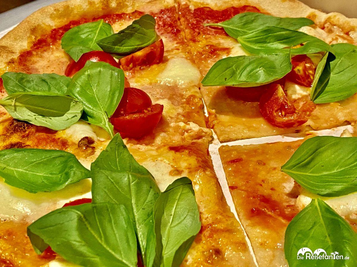 Leckere Pizza aus der Pizzeria Mexico City in Niederdorf in Südtirol