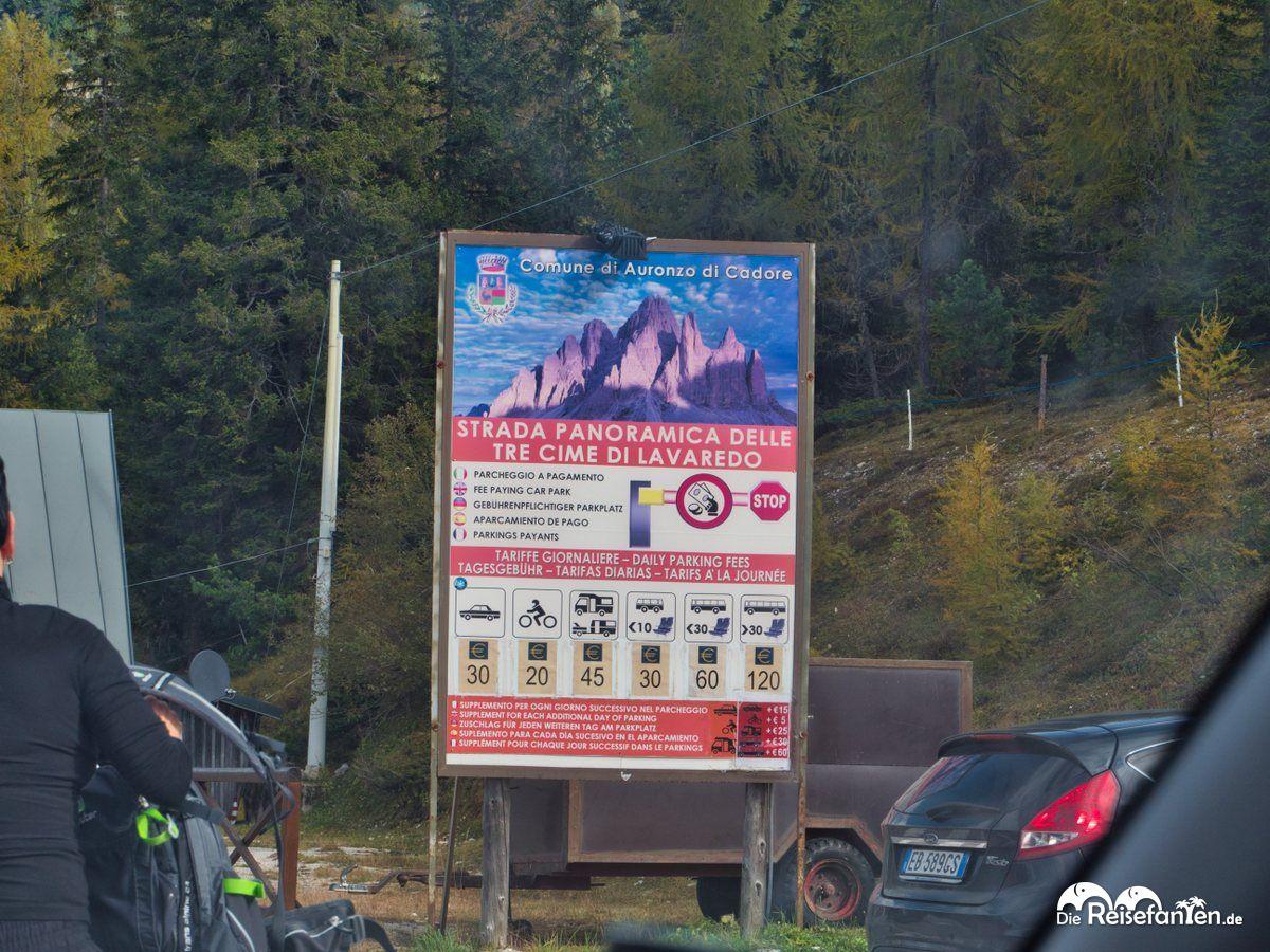 Mautgebühren für die Zufahrt zum Parkplatz der Drei Zinnen in den Dolomiten
