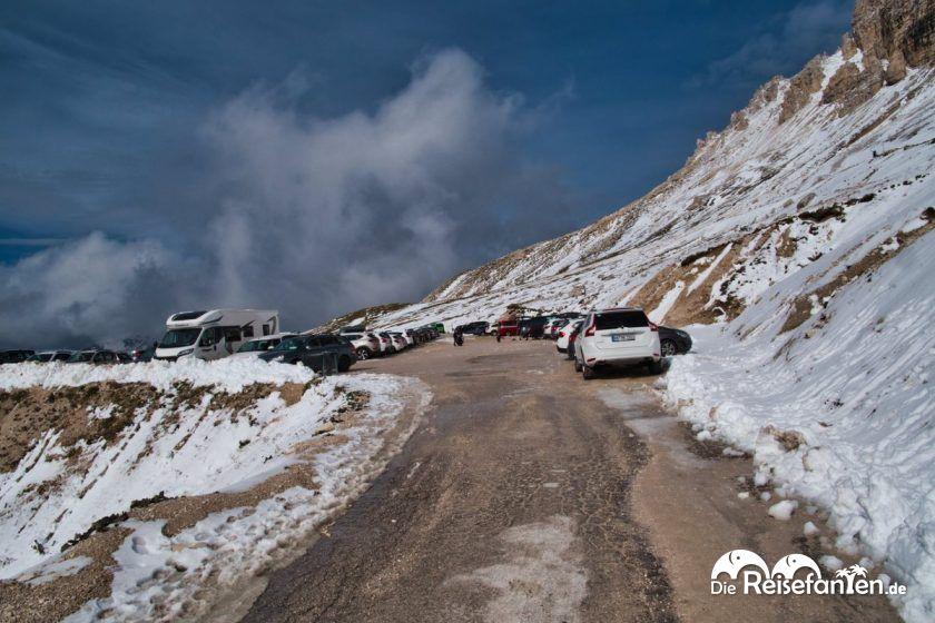 Parkplatz an den Drei Zinnen in den Dolomiten