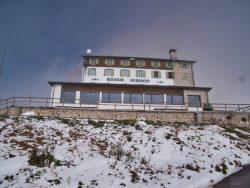 Rifugio Auronzo an den Drei Zinnen in den Dolomiten
