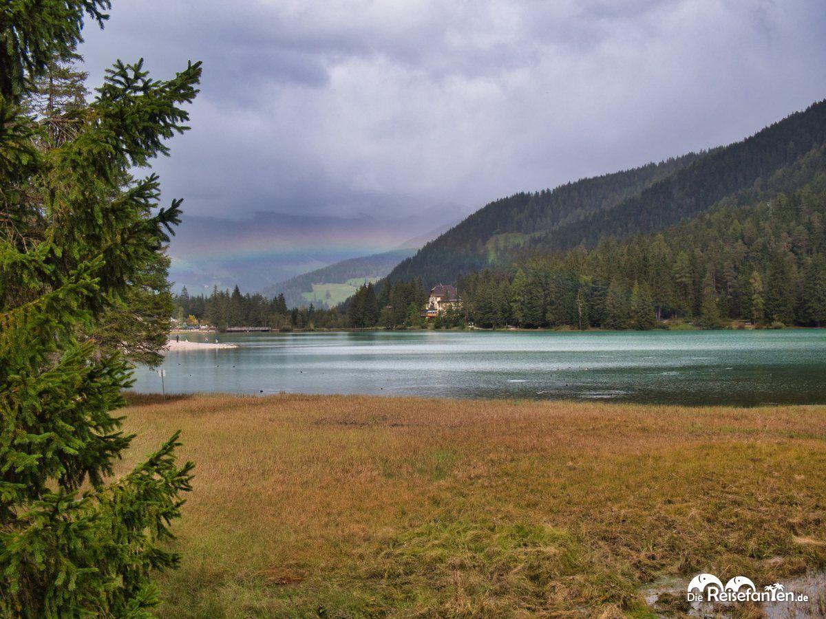 Toblacher See mit Regenbogen