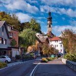 Blick auf die Rainkirche in Bruneck