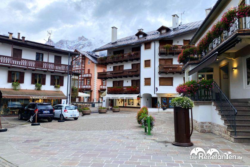 Der Skiort Cortina d'Ampezzo in den Dolomiten