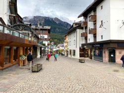 Die Fußgängerzone von Cortina d'Ampezzo