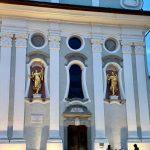 Fassade der Michaelskirche von Innichen