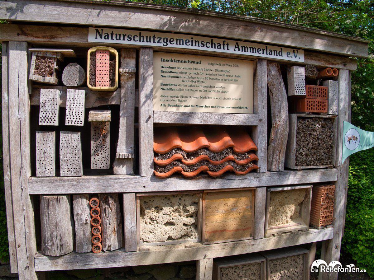 Insektenhotel im Park der Gärten