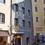 Nasenschild einer Bäckerei in Bruneck