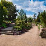 Weg im Park der Gärten