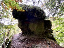 Gedenkstein in der Riesenburg in Wiesenttal