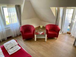Sitzecke im Doppelzimmer im Haus am Meer in Hohwacht an der Ostsee