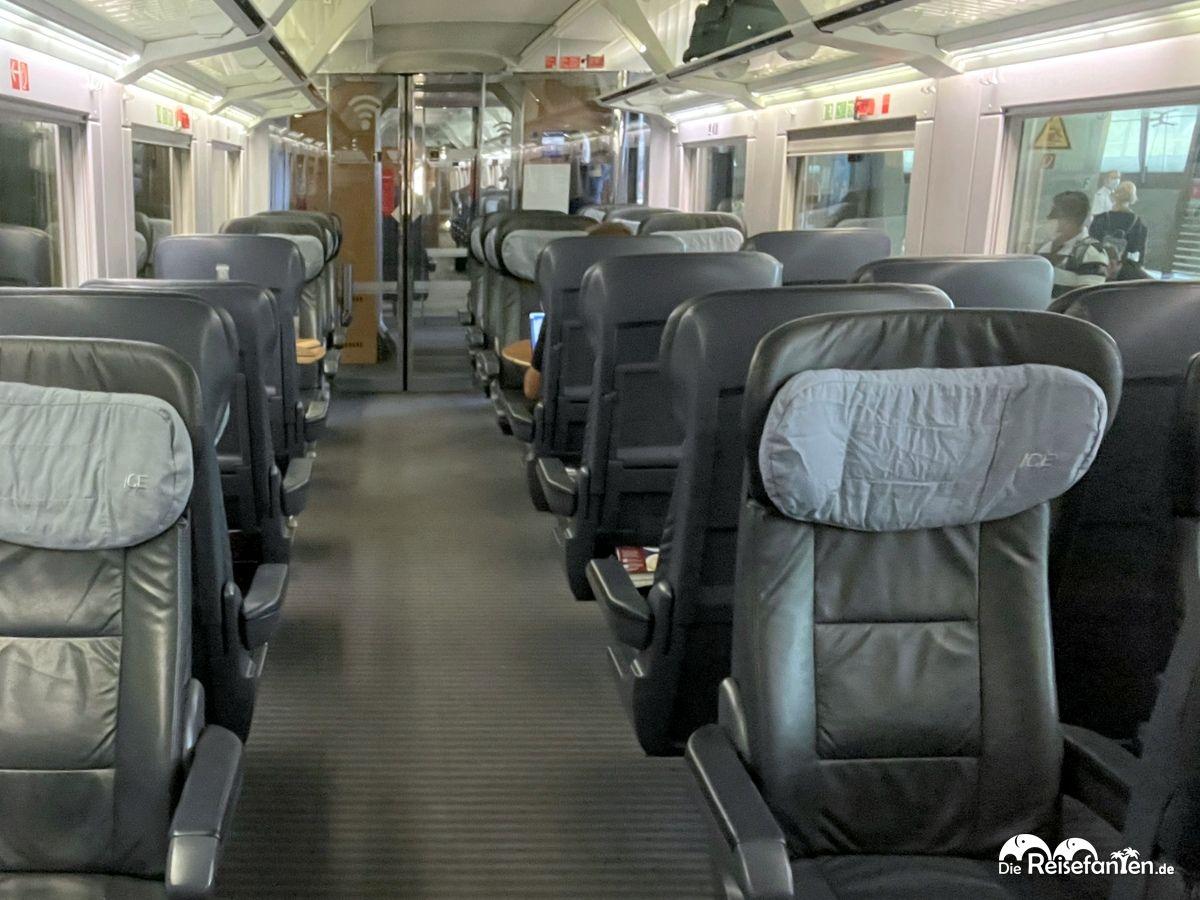 Auch am Nachmittag kann der Zug noch sehr leer sein