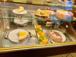 Kuchenauswahl im Cafe Deichmann in Bad Sooden