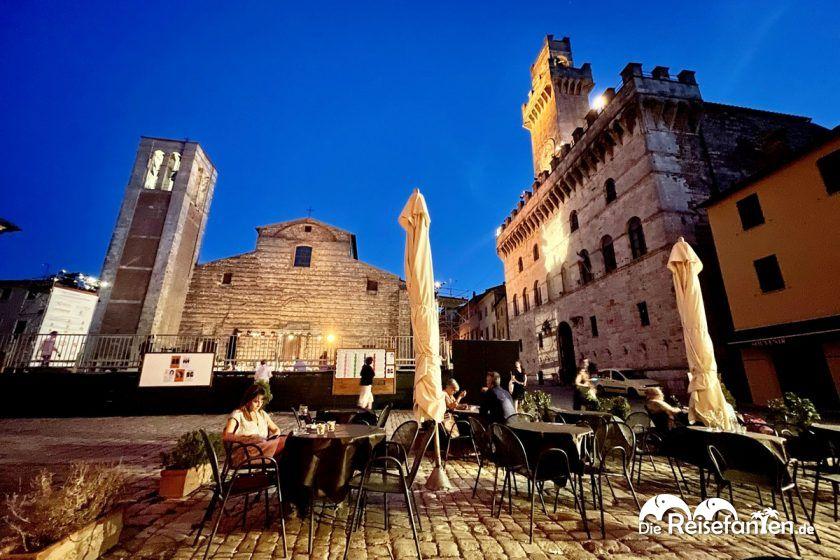 Nette Terrasse der Bar Gelateria Duomo in Montepulciano